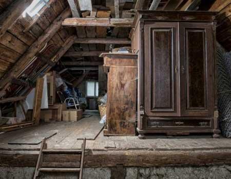 Dachbodenentruempelung
